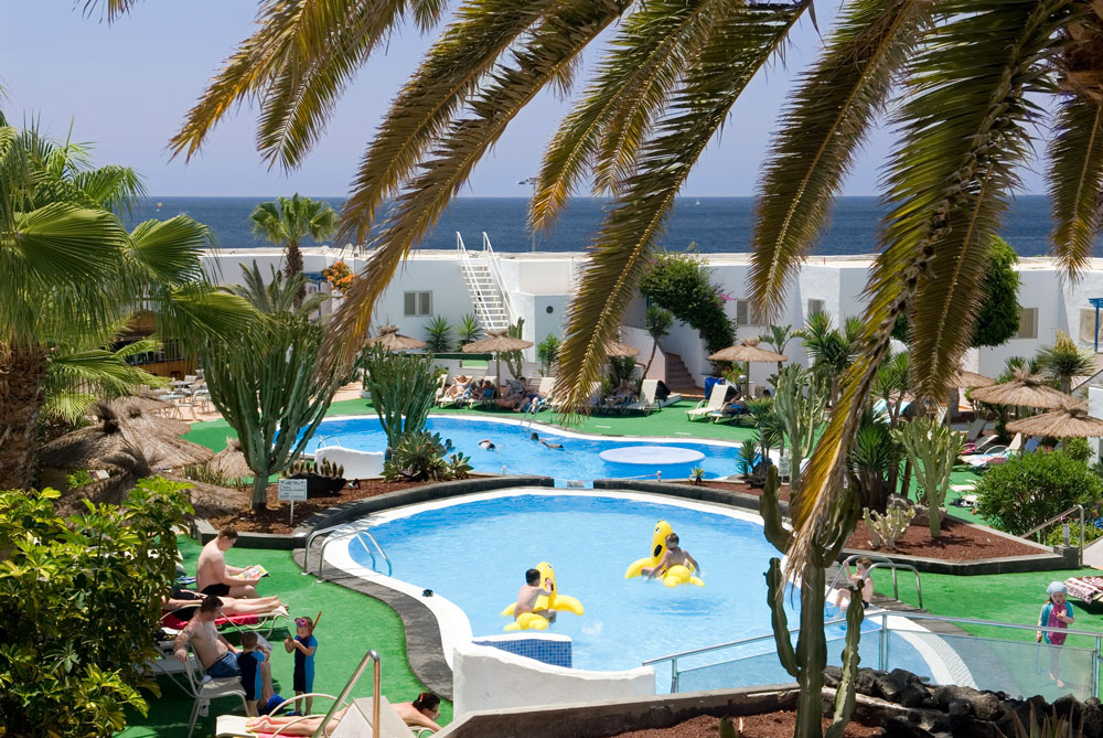 Parque tropical apartments puerto del carmen lanzarote - Car rental puerto del carmen ...